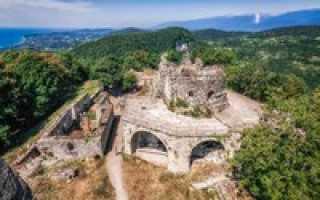 Анакопийская крепость, Абхазия (15 фото, информация, карта)